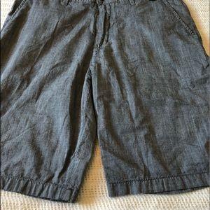 Hurley Men's gray shorts.